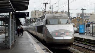 Départ d'un TGV en gare de Rennes, le 15 février 2018. (MAXPPP)