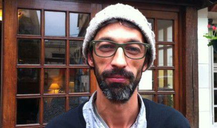 """Le photoreporter de guerre Karim Ben Khelifa, créateur de l'installation """"Ennemi"""".  (Geopolis)"""