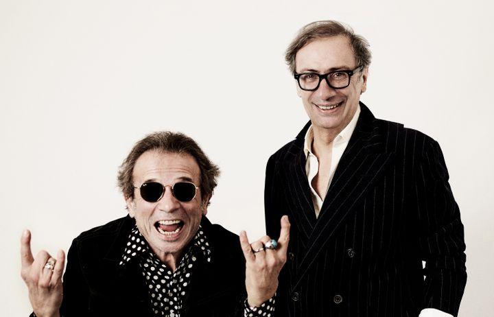 Le journaliste Philippe Manoeuvre et le manager de Téléphone François Ravard, en 2020. (YANN ORHAN)