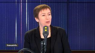 """Caroline De Hass, membre du collectif #NousToutes et ancienne fondatrice d'Osez le féminisme, était l'invitée du """"8h30 franceinfo"""", jeudi 2 janvier 2020. (FRANCEINFO / RADIOFRANCE)"""
