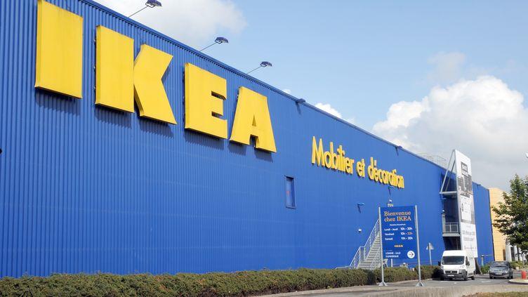 La marque Ikea est déjà au cœur d'une enquête sur des soupçons de surveillance illégale de salariés du groupe. (DENIS CHARLET / AFP)