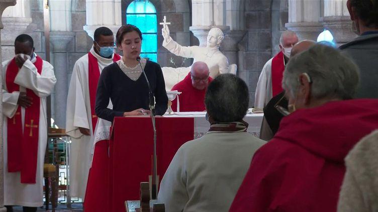 Prêtre tué en Vendée : après le choc, l'émotion et le recueillement (France 3)