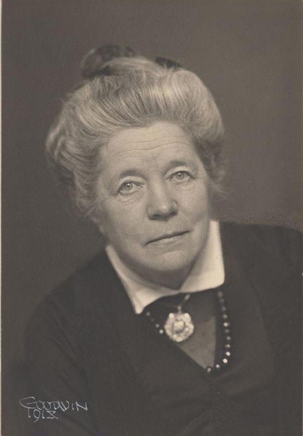 Selma Lagerlöf, en 1918 (Henry B. Goodwin / Kungliga Biblioteket, Stockholm)