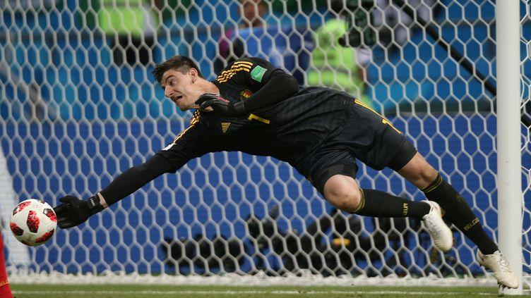 Thibaut Courtois sauve son équipe contre le Brésil, lors du quart de finale à Kazan, le 6 juillet 2018. (ROMAN KRUCHININ / AFP)