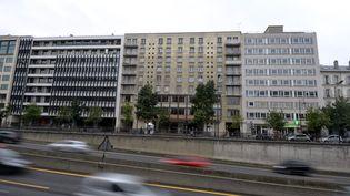 Des HLM à Neuilly-sur-Seine (Hauts-de-Seine), le 13 septembre 2013. (MIGUEL MEDINA / AFP)