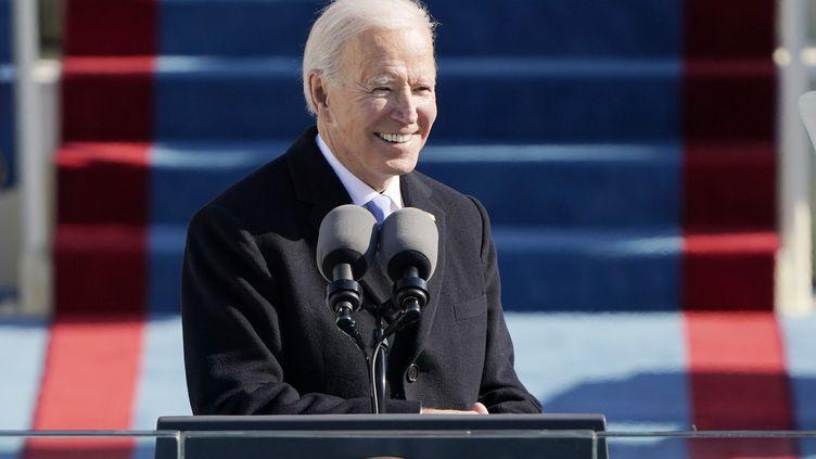 Le président américain Joe Biden prononce son discours d'investiture après avoir prêté serment en tant que 46e président des États-Unis le 20 janvier 2021 au Capitole, à Washington. (PATRICK SEMANSKY / AFP)