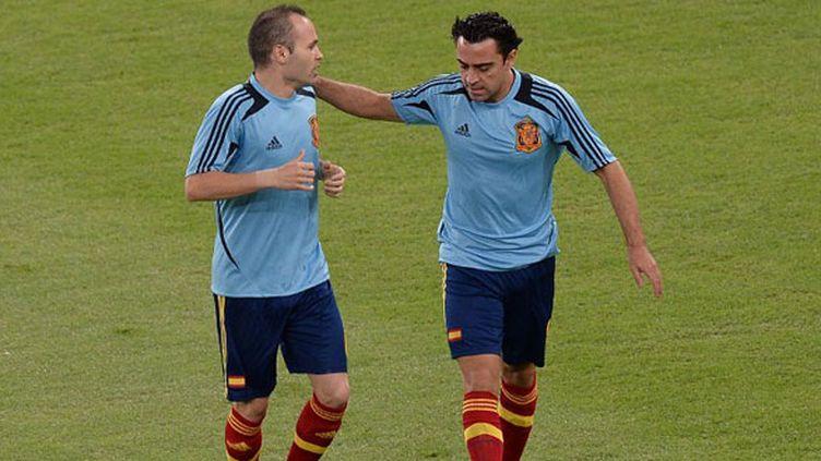 Les deux joueurs espagnols du FC Barcelone, Iniesta et Xavi