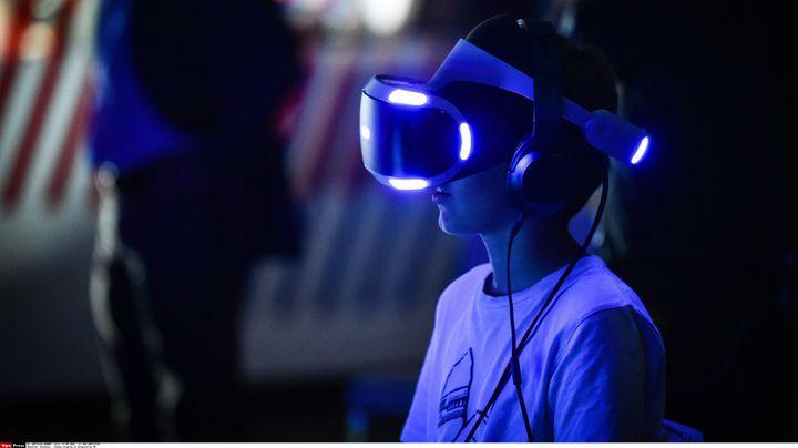 Expérience de réalité virtuelle (2016)  (UGO AMEZ/SIPA)