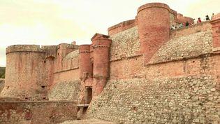 Tourisme : une forteresse à quelques pas d'une aire d'autoroute (France 2)