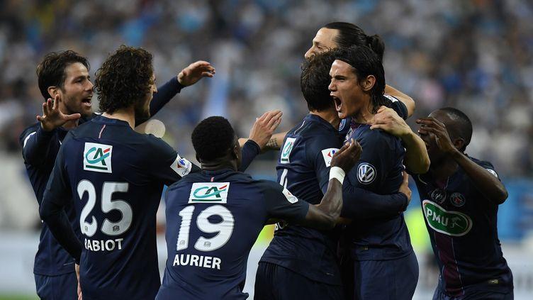 Cavani, Ibrahimovic et les joueurs du PSG heureux (FRANCK FIFE / AFP)