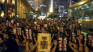 Des manifestants pro-démocratie, à Hong Kong, le 16 août 2019. (MANAN VATSYAYANA / AFP)