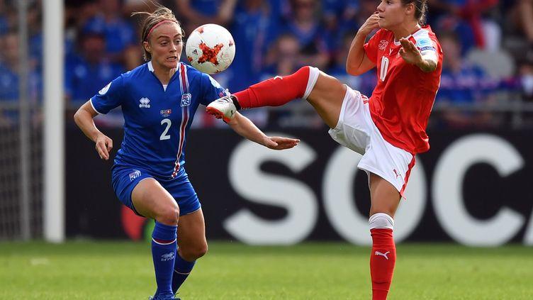 Sif Atladottir face à Ramona Bachmann (DANIEL MIHAILESCU / AFP)