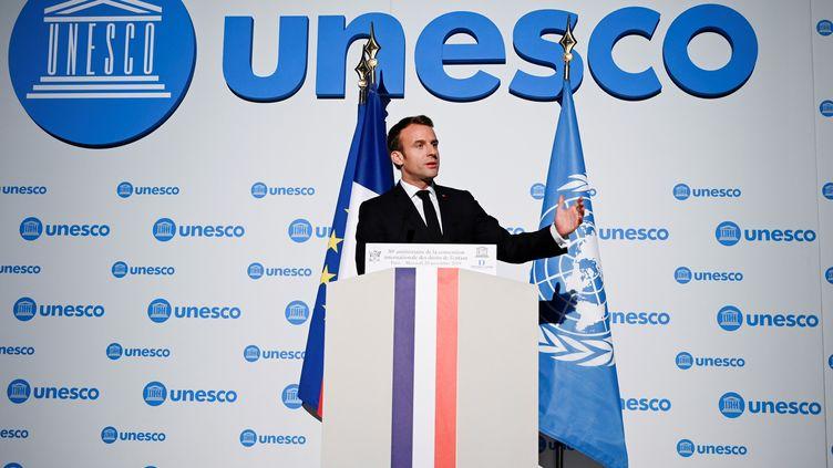 Le président de la République, Emmanuel Macron, lors de son discours à l'Unesco, à Paris, le 20 novembre 2019, à l'occasiondu 30e anniversaire de la Convention internationale des droits de l'enfant. (ERIC FEFERBERG / AFP)