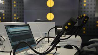 Studio 421 à franceinfo. (RADIO FRANCE / JEAN-CHRISTOPHE BOURDILLAT)