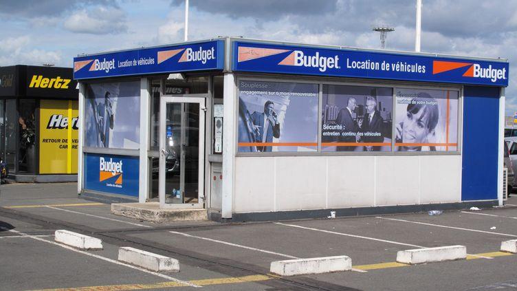 Des entreprises de location de voitures à l'aéroport d'Orly, le 6 juillet 2009. (MAXPPP)