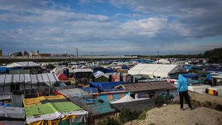 """La """"Jungle"""" de Calais avant son démantèlement prévu par les autorités. (SADAK SOUICI/WOSTOK PRESS / MAXPPP)"""