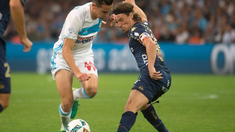 Florian Thauvin élimine Yannick Cahuzac et Marseille plonge Bastia en Ligue 2 (BERTRAND LANGLOIS / AFP)