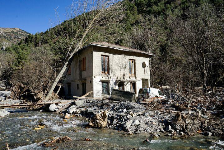 La maison de Serge à Vievola, un hameau de la commune de Tende, dans la vallée de la Roya, sinistrée après le passage de la tempête Alex. (FM / FRANCEINFO)