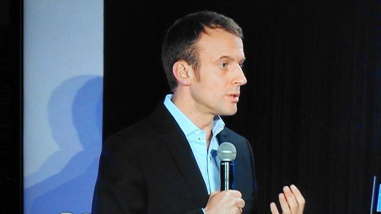(Emmanuel Macron a précisé que son mouvement accepterait les adhésions multiples et pourrait donc intégrer des adhérents de l'ensemble des partis républicains © France Bleu Picardie)