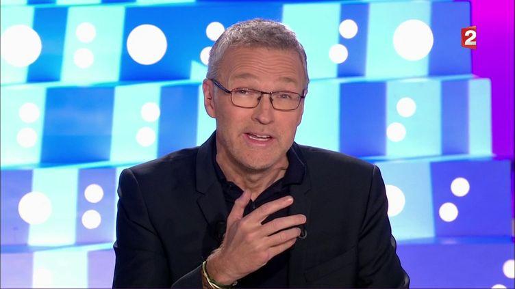 """Laurent Ruquier est revenu sur la polémique, le 8 octobre 2017, après l'altercation entre Christine Angot et Sandrine Rousseau au début de son émission """"On n'est pas couché"""" sur France 2. (FRANCE 2 / FRANCEINFO)"""