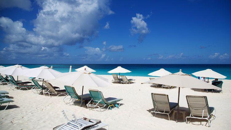 L'île d'Anguilla fait partie des nouveaux pays ajoutés sur la liste noire des paradis fiscaux de la France. (CEDRICK ISHAM CALVADOS / AFP)