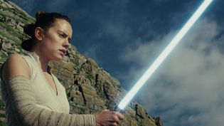 "Daisy Ridley dans ""Star Wars - Les Derniers Jedi"" de Rian Johnson  (2017 Lucasfilm Ltd. All Rights Reserved.)"