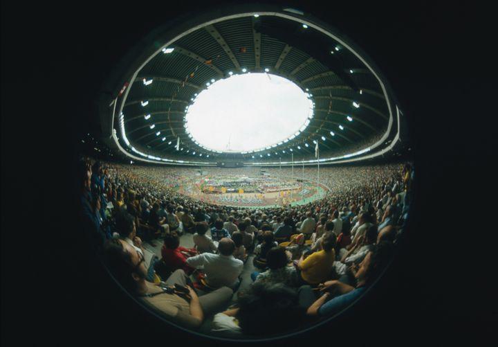 Le stade olympique de Montréal (Canada) lors de l'ouverture des Jeux olympiques, le 17 juillet 1976. (TOM DUFFY / GETTY IMAGES EUROPE)