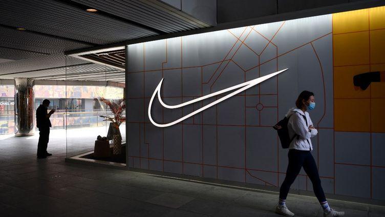 Un magasin Nike de Pékin (Chine), photographié le 25 mars 2021. (GREG BAKER / AFP)