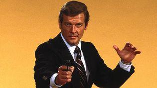 L'acteur Roger Moore a incarné James Bond dans Vivre et laisser mourir (1973), L'Homme au pistolet d'or (1974), L'Espion qui m'aimait (1977), Moonraker (1979), Rien que pour vos yeux (1981), Octopussy (1983) et Dangereusement vôtre (1985).  (© 2015 Metro-Goldwyn-Mayer Studios Inc. and Danjaq, LLC. All Rights Reserved)