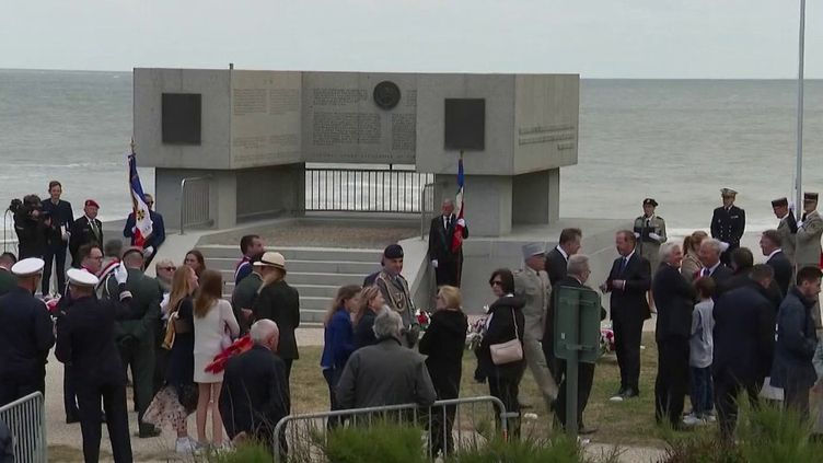 Les cérémonies du 76e anniversaire du Débarquement en Normandie ont été réduites au strict minimum pour cause de crise sanitaire, samedi 6 juin. (FRANCE 2)