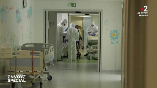 Envoyé spécial. Les hôpitaux face à la forme proche du syndrome de Kawasaki qui affecte les enfants