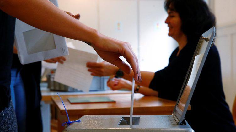 (Les Suisses sont régulièrement appelés aux urnes pour des referendums © Reuters)