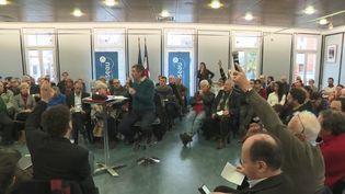 Dans le cadre du grand débat national, la mairie de Palaiseau (Essonne) organise des discussions sur plusieurs thématiques. (CAPTURE D'ÉCRAN FRANCE 3)