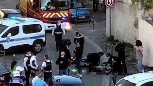 Policier tué : ses collègues lui rendent hommage, Avignon sous le choc (France 2)