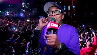 Spike Lee a animé une fête hommage à Prince dans les rues de New-York  (France2/culturebox)