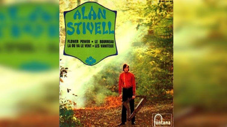 À côté de son exploration du patrimoine traditionnel breton, Alan Stivell s'essaye aux couleurs musicales de l'année 1968. (Fontana Records)