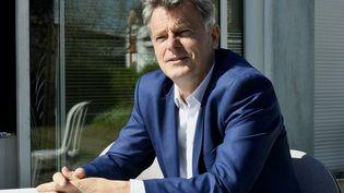 Le secrétaire national du Parti communiste français et candidat à l'élection présidentielle de 2022, Fabien Roussel, à Lorient (Morbihan) le 23 mars 2021 (VINCENT MOUCHEL / MAXPPP)
