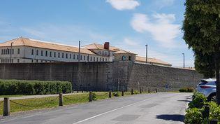 Le centre pénitentiaire de Saint-Martin-de-Ré (Charente-Maritime), en 2019. (GÉRALD PARIS / FRANCE-BLEU LA ROCHELLE)