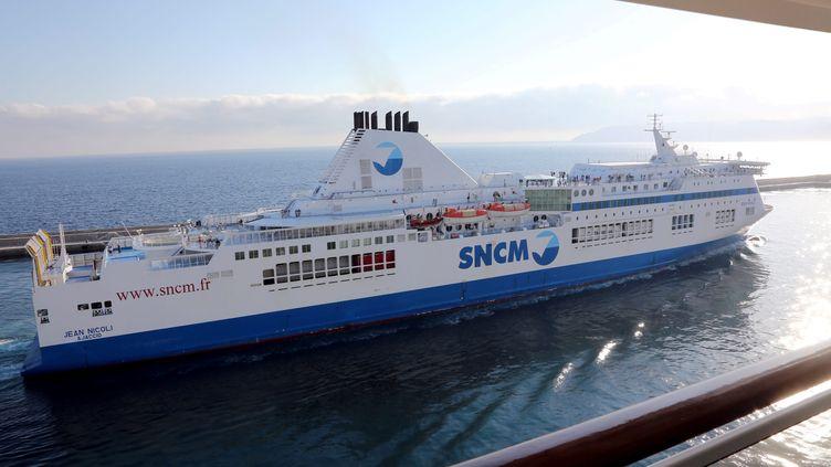 Un bateau de la SNCM sort du port de Marseille (Bouches-du-Rhône), le 29 mai 2015. (MAXPPP)