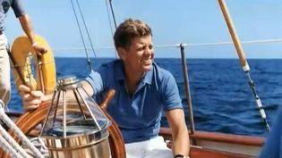 """L'ancien président américain John Fitzerald Kennedy passait beaucoup de temps sur son yacht """"Manitou"""". (CAPTURE FRANCE 2 / FRANCETV INFO)"""