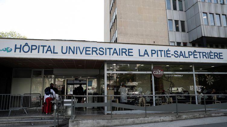 Depuis le premier décès lié au Covid-19 en France, dans la nuit du 25 au 26 février, le nombre de cas est en augmentation sur tout le territoire. (KENZO TRIBOUILLARD / AFP)