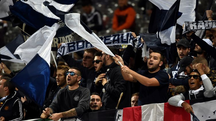 Les supporters de Bordeaux espère pouvoir cette année vibrer en coupe d'europe. (REMY GABALDA / AFP)