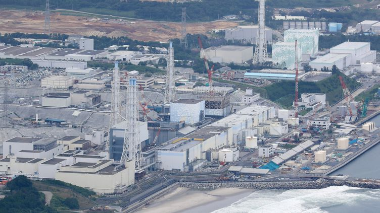 Photo aérienne d'une partie du site de la centrale nucléaire accidentée de Fukushima (Japon), le 27 juillet 2017. (KOTA KAWASAKI / YOMIURI / AFP)