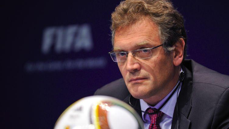 Le secrétaire général de la Fifa, Jérôme Valke, lors d'une conférence de presse, le 18 novembre 2010, à Zurich (Suisse). (FABRICE COFFRINI / AFP)