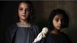 """Elisa Del Genio (Elena) et Ludovica Nasti (Lila) dans """"L'Amie prodigieuse"""", diffusé à partir du 13 décembre 2018 sur Canal+ (EDUARDO CASTALDO)"""