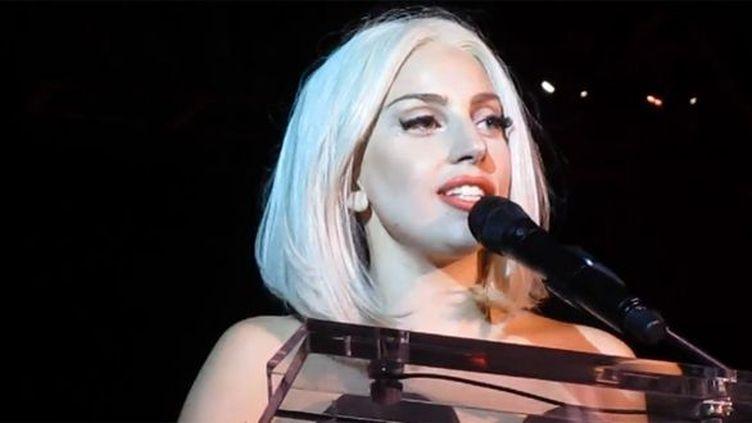 Lady Gaga à la Gay Pride de New York 2013  (Saisie écran)