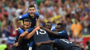 Les Français sacrés champion du monde après leur victoire face à la Croatie (4-2) en finale à Moscou, le dimanche 15 juillet 2018.  (KIRILL KUDRYAVTSEV / AFP)