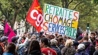 Une manifestation à Paris, le 24 septembre 2019, pour la défense des emplois, des salaires, du service public et contre la réforme des retraites. (AMAURY CORNU / HANS LUCAS / AFP)