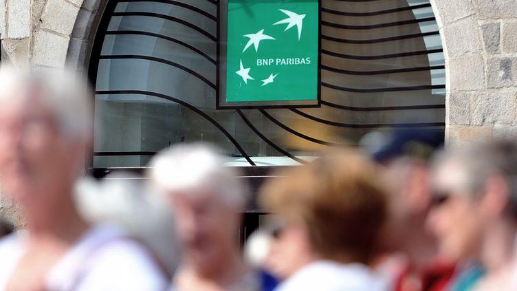 L'entrée d'une agence BNP Paribas à Lille (Nord), le 24 juin 2014. (PHILIPPE HUGUEN / AFP)