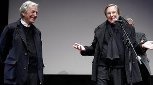 Le président de la Cinémathèque française, Costa Gavras, au côté du réalisateur américain William Friedkin, réunis pour l'ouverture du festival Toute la mémoire du monde, le 2 décembre 2013  (Cinémathèque française)